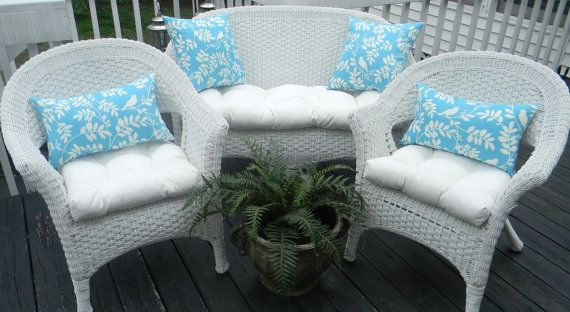 Indoor Outdoor Wicker Cushion And Pillow 7 Pc Set Solid White Cushions Light Blue And White Botanical Bird And Leaf Print Pi White Cushions Outdoor Wicker