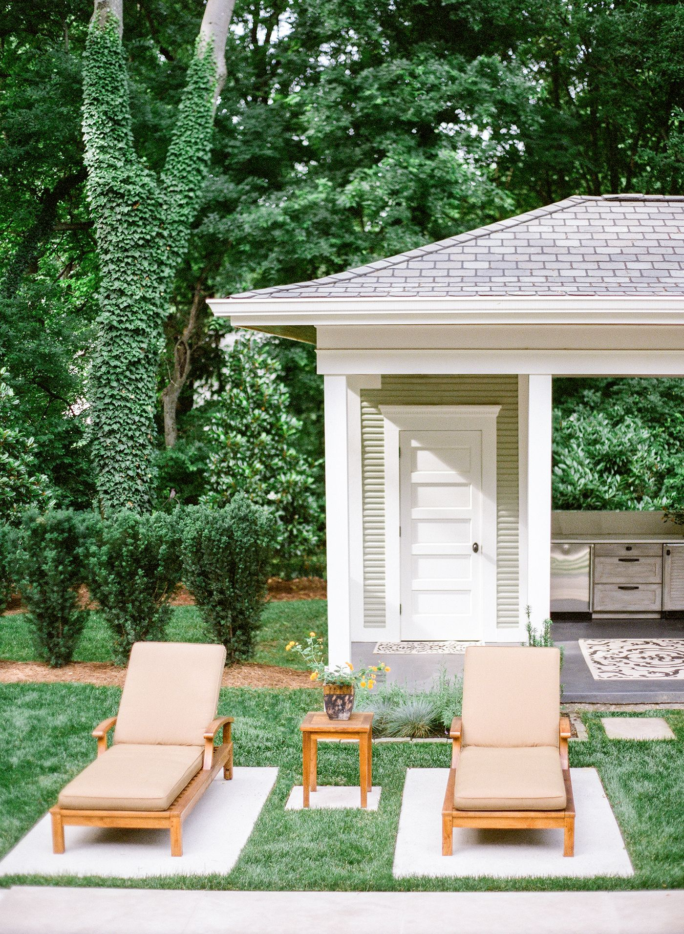 Anne Daigh Landscape Architecture. Pavers and grass. Nashville home ...