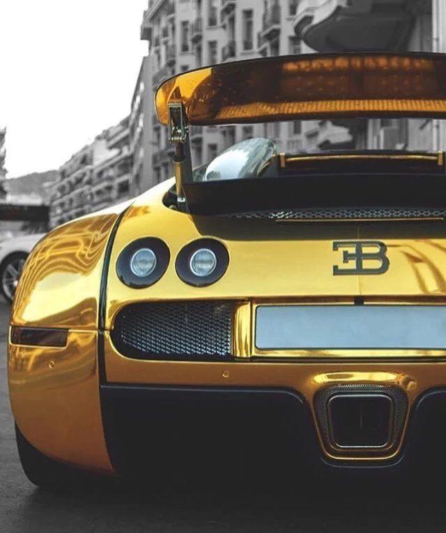 Diamond Bugatti Veyron Super Sport: Bugatti Veyron Gold