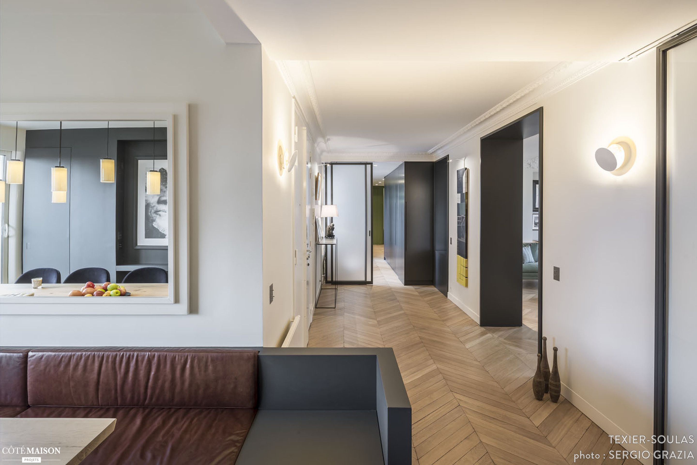 Loft bedroom no door  Un grand appartement Haussmannien  m   TexierSoulas