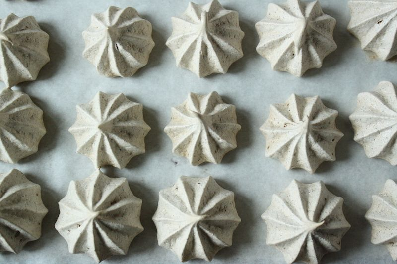 Here we are, Day 5 of the 12 Day of Cookies. Today it's something a little different – meringues, specifically a meringue with the flavors of masala chai. 15 pounds of butter has passed through my …