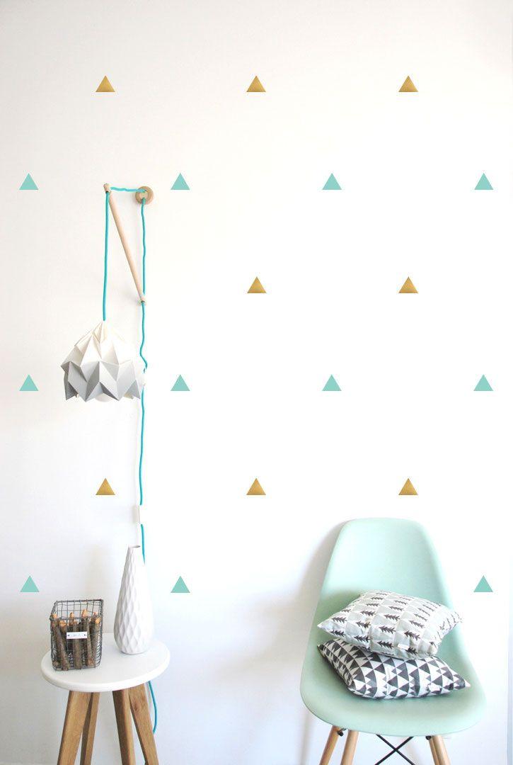 stickers muraux triangles vert menthe et dor s pom le. Black Bedroom Furniture Sets. Home Design Ideas