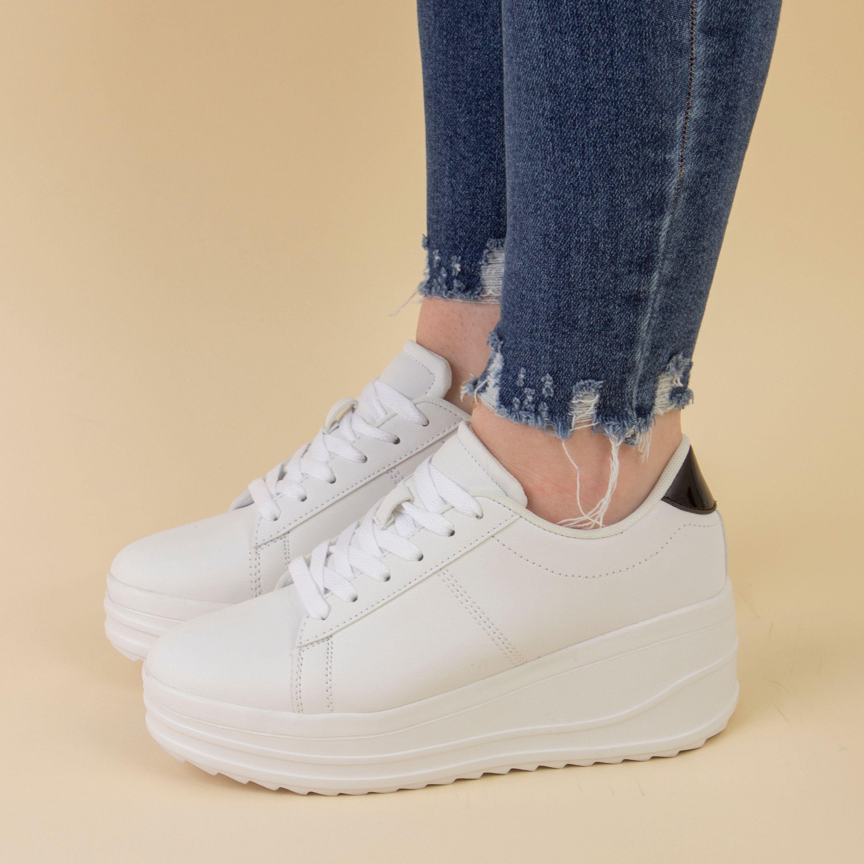 Truffle Womens White Lace Up Platform