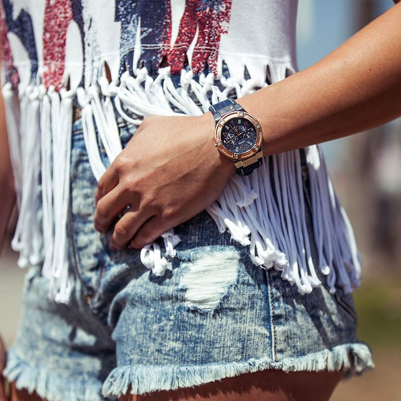 #GUESS watch + fringed tee.
