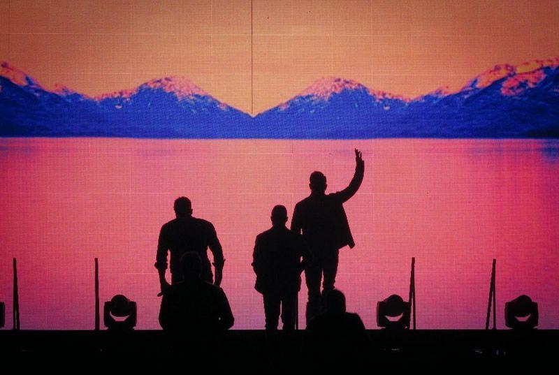 Kim's Front Row Experience — The Backstreet Boys Concert - Front Row Foundation