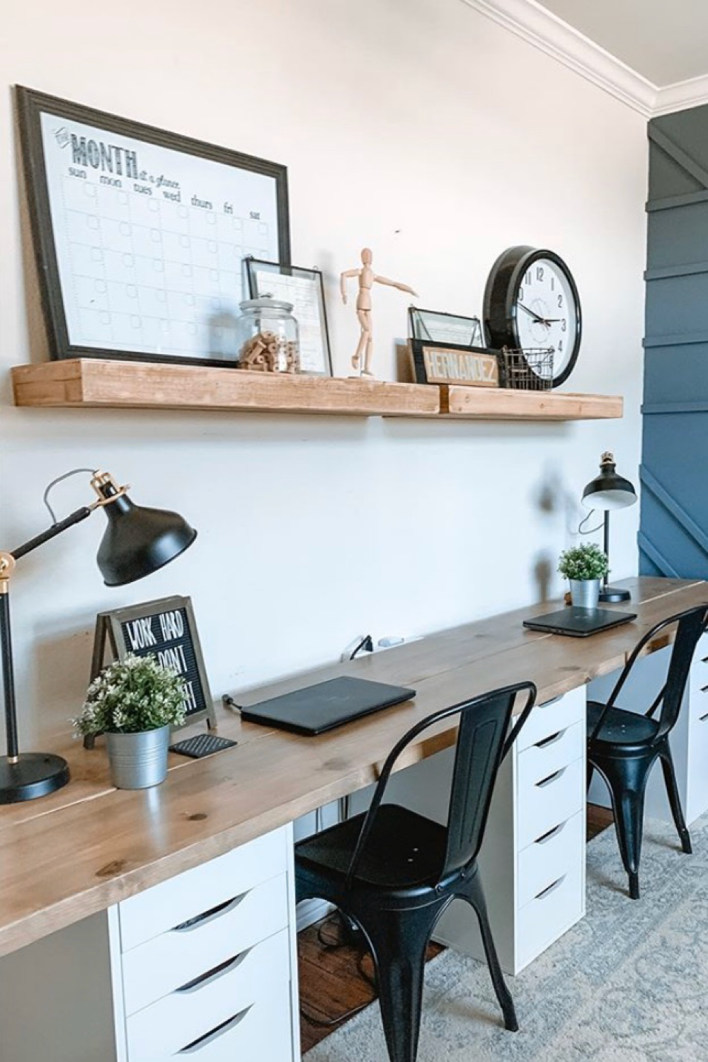 27 home office ideas that you will love including how to setup your office if you are working from home, the best desks and chairs. Plus home office decor, design and organization ideas. #homeoffice