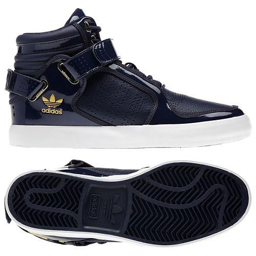 lanzamiento Racionalización Disfraces  Pin by Pamela Gourley on Apparel | Adidas outfit shoes, Adidas shoes  originals, Sneakers fashion