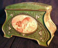 Jolie boite en métal art nouveau jugendstil 1900