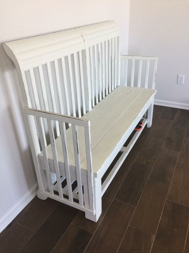 Have an old crib in storage? One that has sentimental attachment that you just can seem to get rid of? Turn it into a cute entry way bench! #diy #furnitureflip #crib