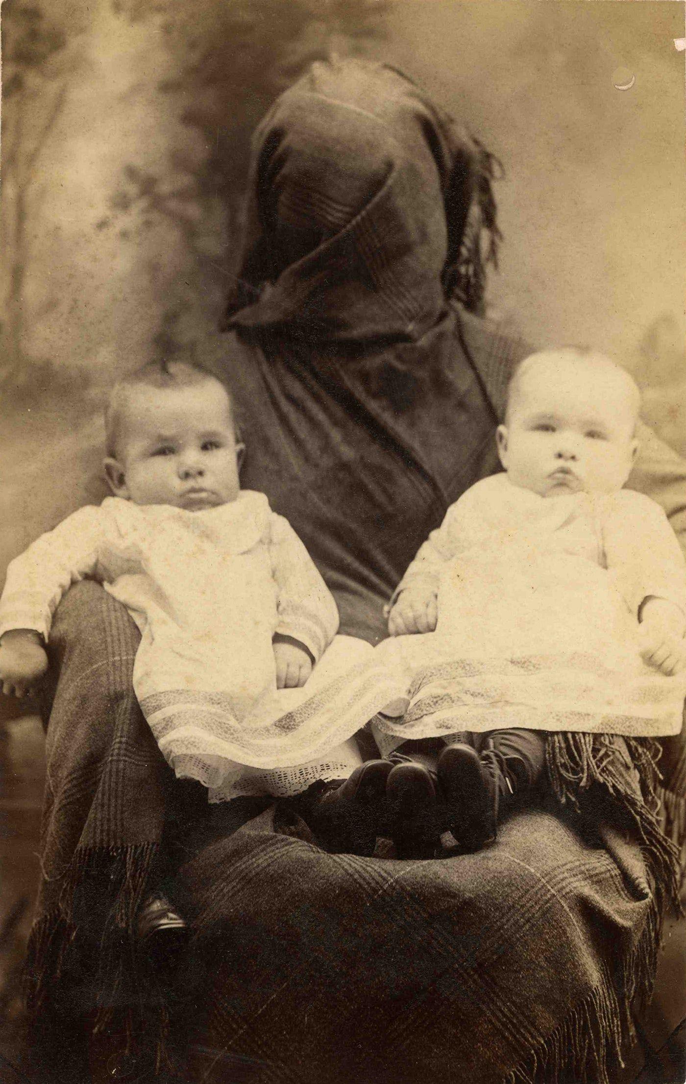 the hidden mother photographs