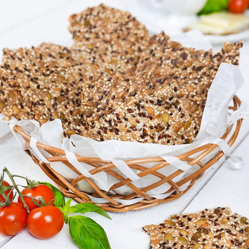 Fröknäcke är gott som snacks med något smarrigt pålägg. ||  Fröknäcke is good as a snack with something smarrigt toppings.