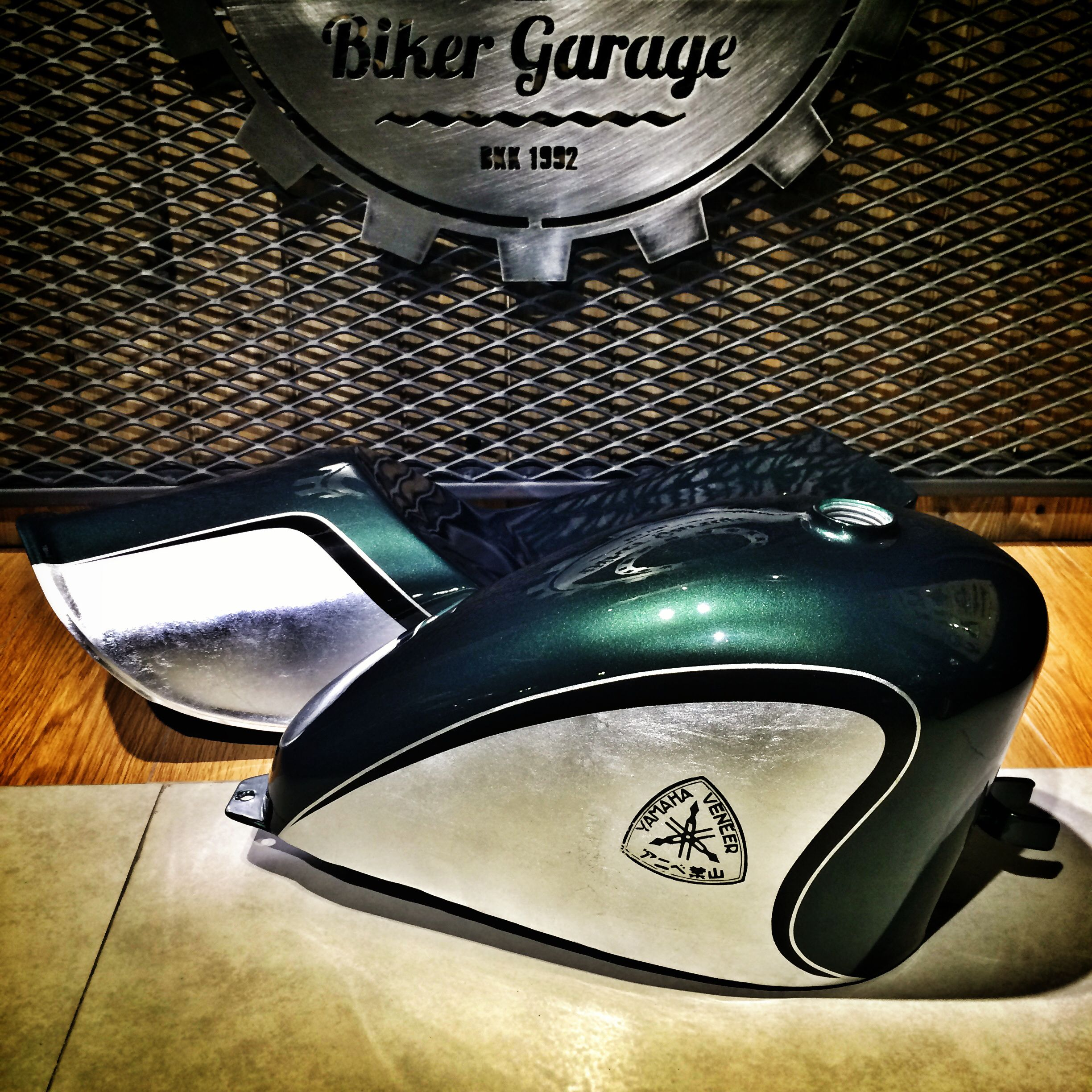 deep metallic green with silver leaf color set for sr400