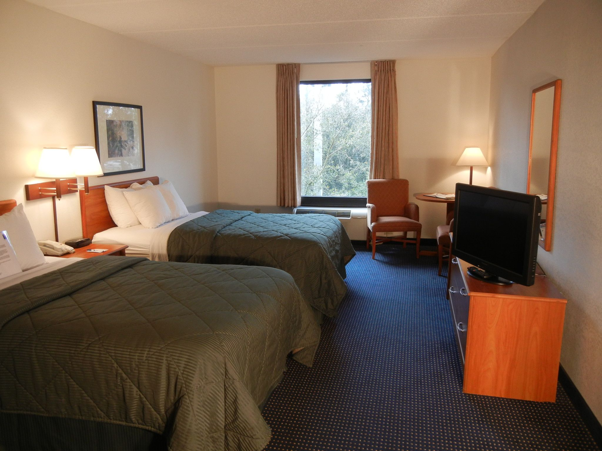 Comfort Inn University Standard Double Bed Two Double Beds With Activity Table Double Beds Bed Home