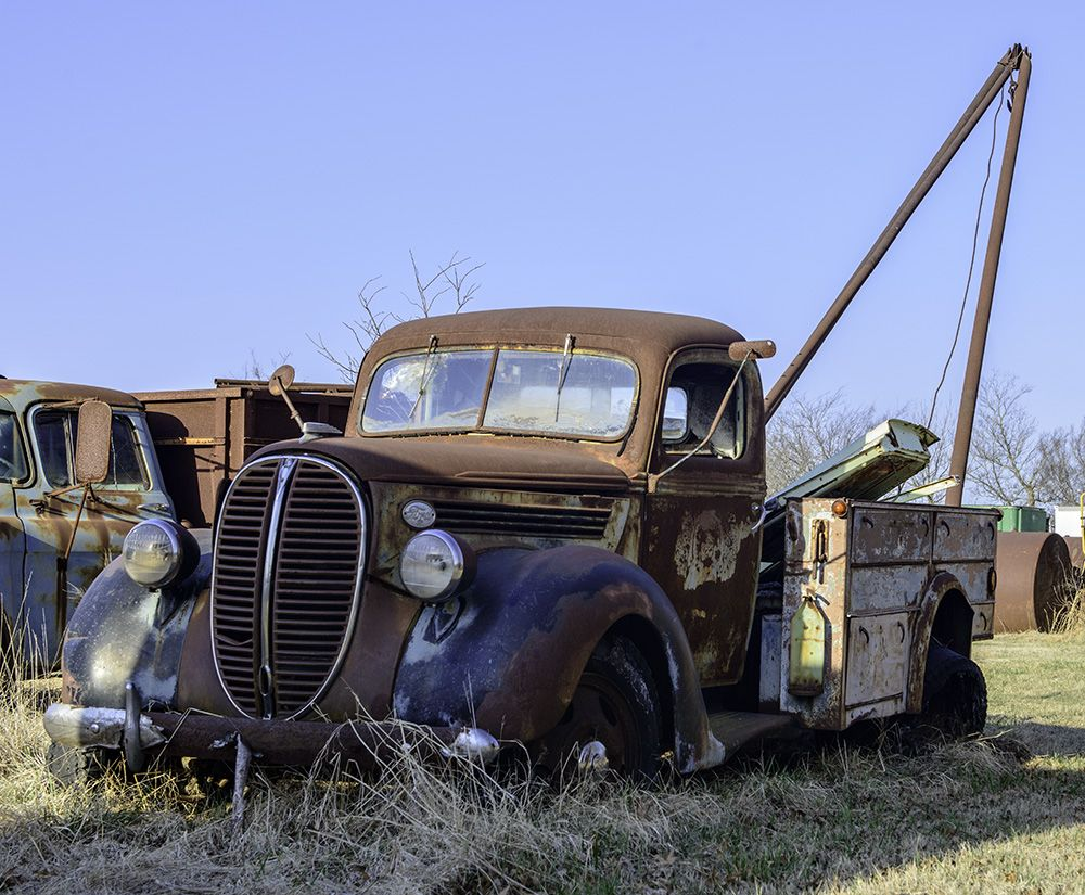 Hunter S Corner Salvage Yard Old Truck Abandoned Cars Old Trucks Barn Finds