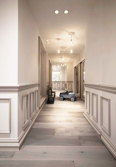 boiserie decorativa traditional interior style pinterest couloir d co maison et boiseries. Black Bedroom Furniture Sets. Home Design Ideas