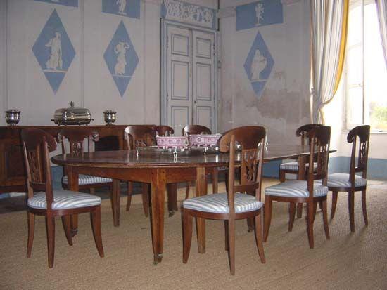 Salle à manger du chateau de Saint-Géry Bourbon France Pinterest