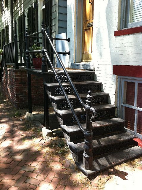 Best Cast Iron Front Stairs Step One Лестница 400 x 300