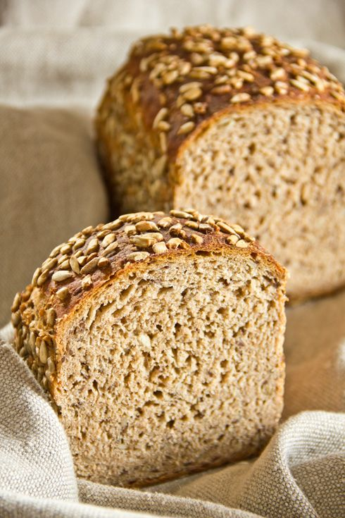 Saftig, kernig und unglaublich aromatisch: Dinkelvollkornbrot mit Buttermilch- by ploetzblog, this bread sounds really yummy, but needs almost two days to get ready. I will try it anyway soon.