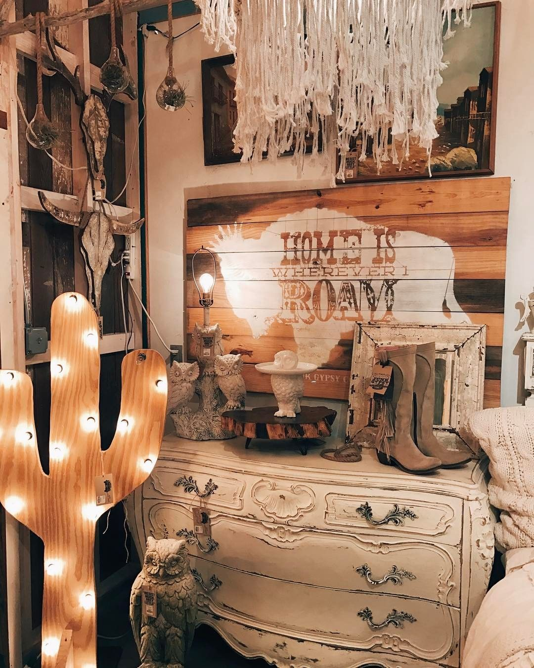 Texas Home Decor: Junk Gypsy / Round Top, Texas / Texas Antiques Week In