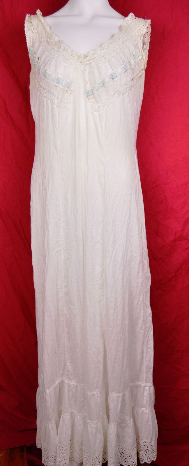 75a316acb6717 Women's Vintage Lingerie. Cotton full slip with cotton lace and a silk  ribbon through the neck.