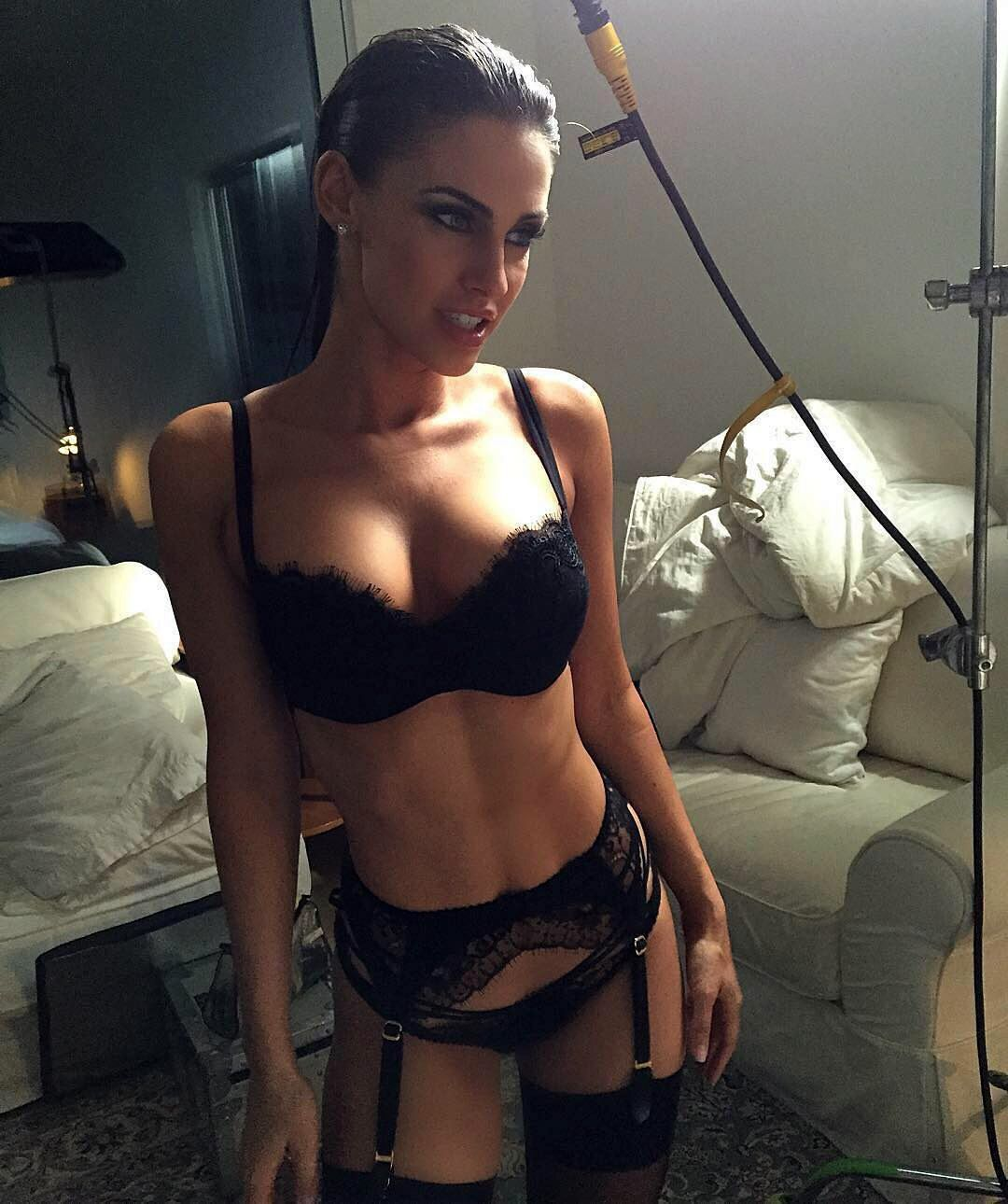 Jessica lowndes sexy 7 Photos new pictures