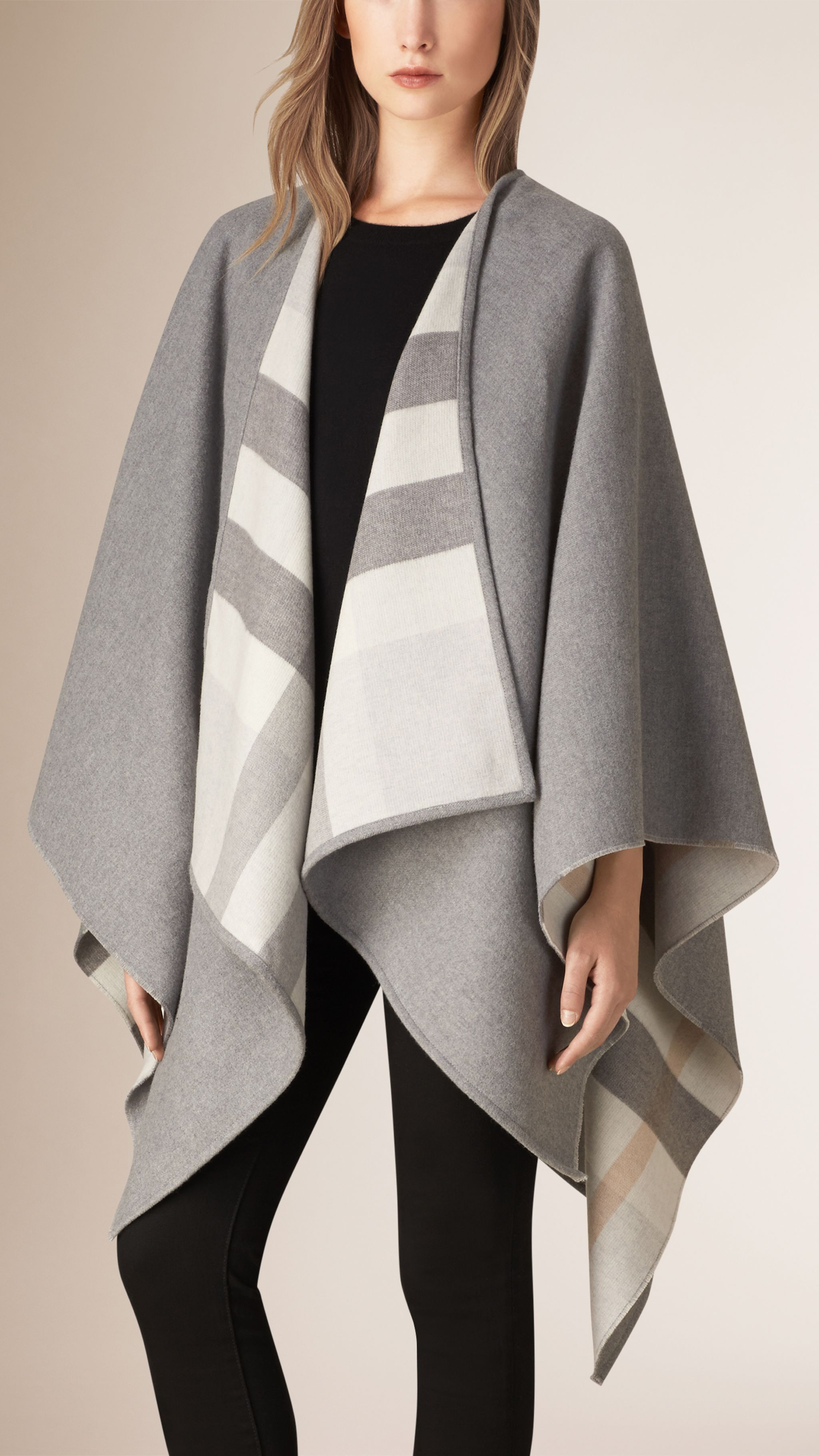 Check-Lined Wool Poncho Light Grey Check | Burberry