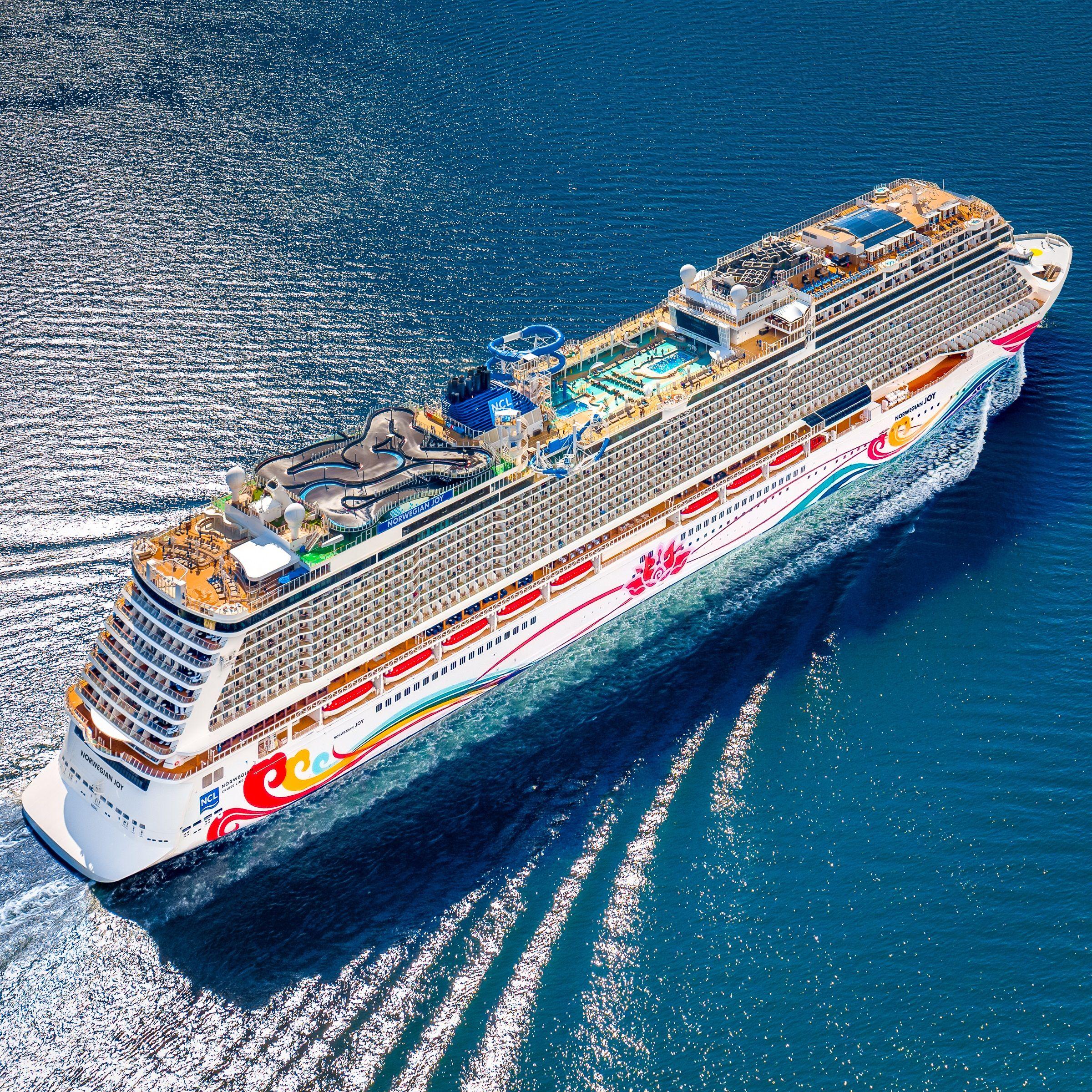 Feel Free To Choose Joy Norwegianjoy Cruisenorwegian Barco Crucero Barcos De Lujo Cruceros