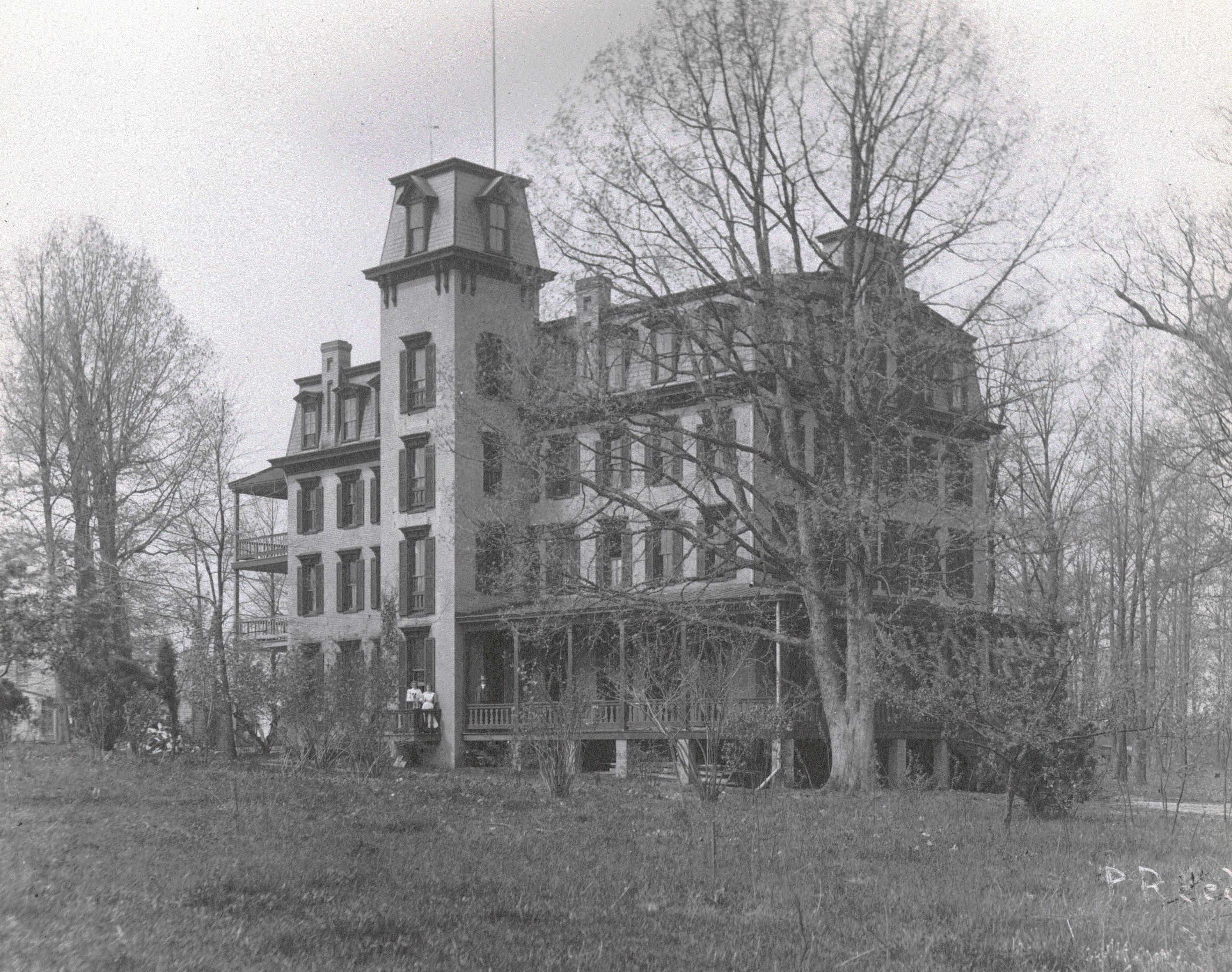 Woodlawn Hotel Chestnut Lodge Photograph By Philip Reed