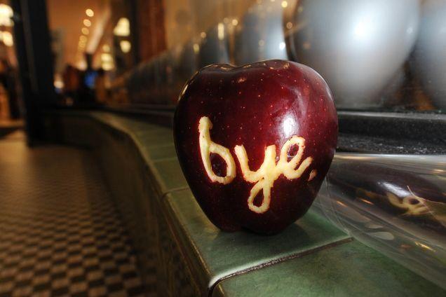 Apple Store Pasadena, CA 10-6-11