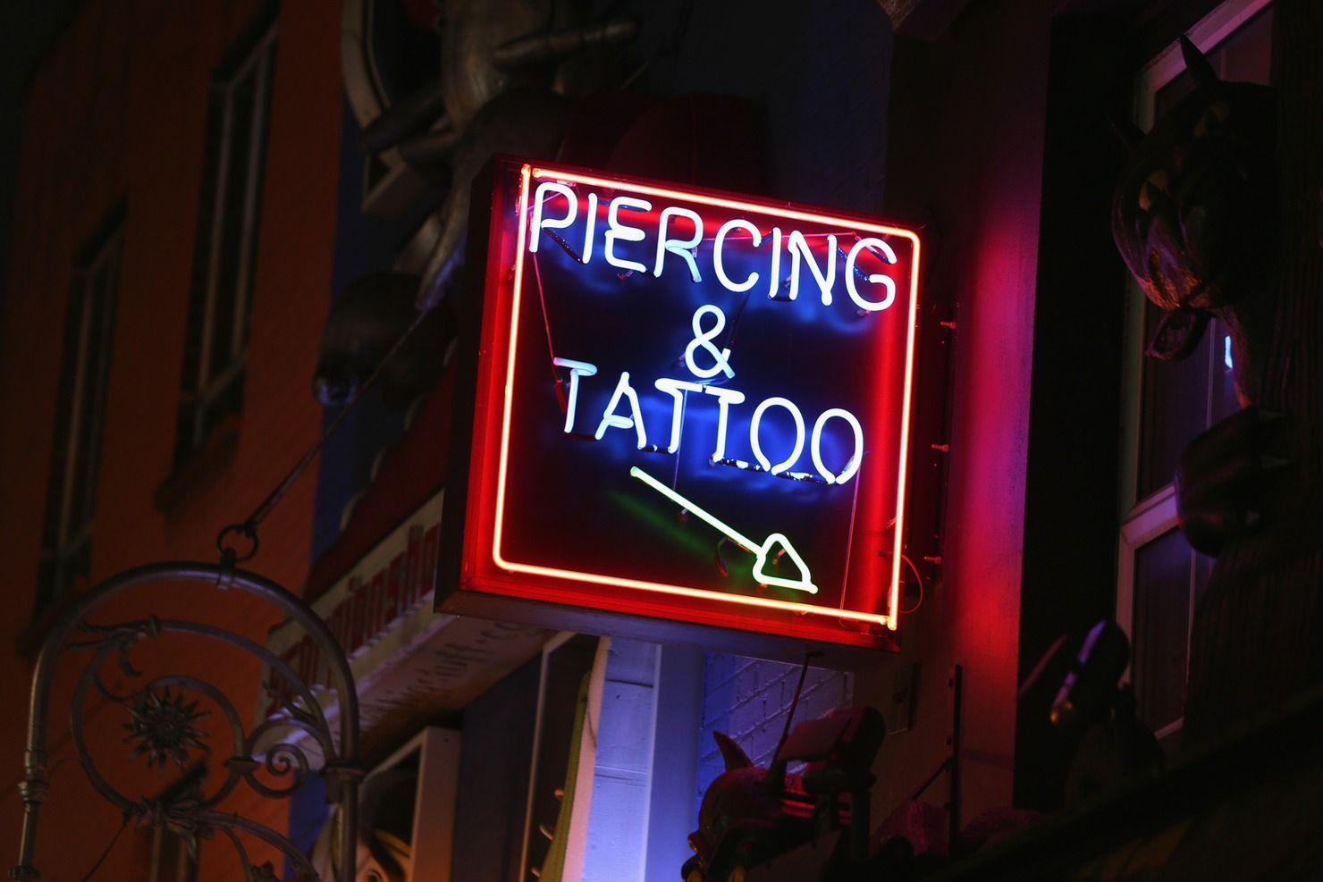 11 Things A Tattoo Artist Would Never Do, So Prepare