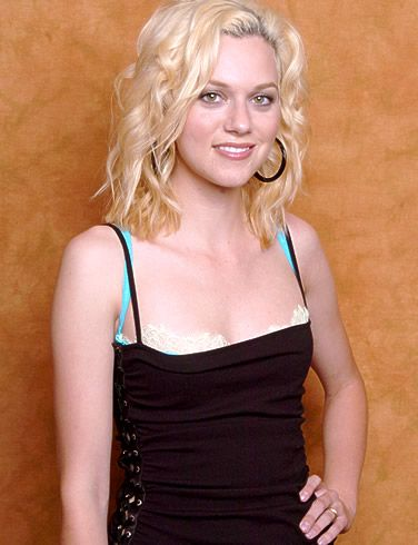 celebs women actress hilarie burton peyton sawyer