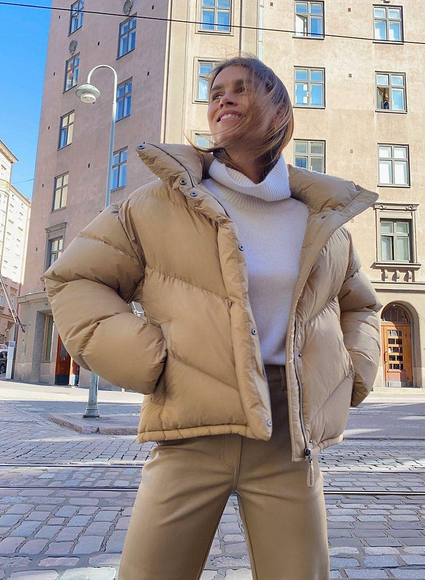 The Cloud Puff Puffer Jacket Outfit Puffer Jacket Style Puffer Jacket Women [ 1147 x 840 Pixel ]