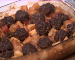 صينية البطاطس بالكفتة من الشيف فاطمه ابو حاتي مطبخ أتوسه على قد الايد Food Beef Meat