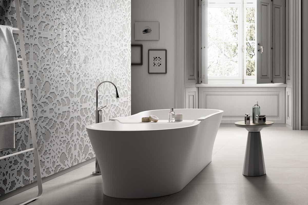 Parete Mosaico Bagno : Mosaicopiu mosaico decor doily silver ambiente parete bagno
