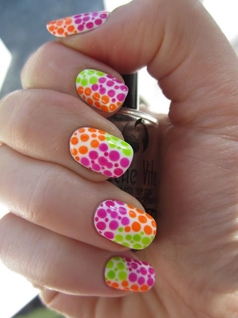 Dots, dots, and more dots! Love this colourful dotty design!!