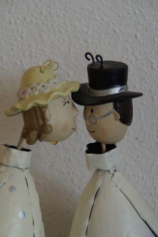 Liebe Eltern, Wir freuen uns, mit euch zusammen heute den Tag der Goldenen Hochzeit feiern zu können. Ein solcher Tag…