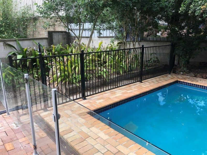 Frameless Glass Pool Fencing Installation In Brisbane Aluminum Pool Fence Glass Pool Fencing Pool