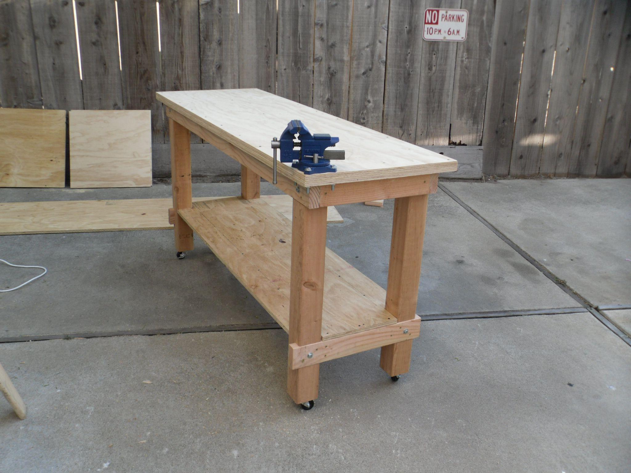 Building a heavy duty workbench plans diy apartment for Apartment workbench plans