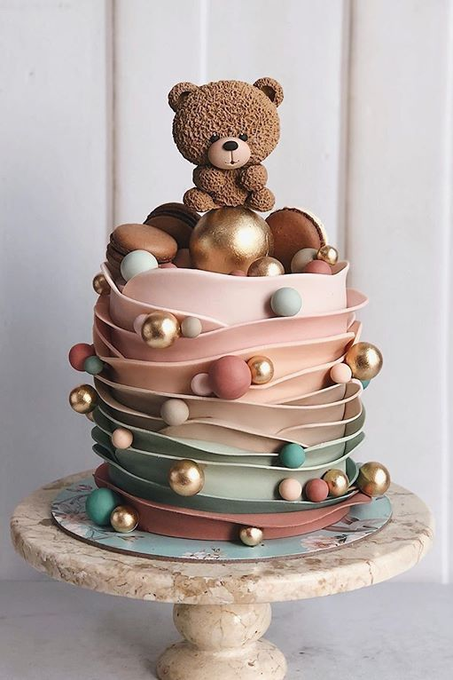 26 Cute Cake Ideas For Baby And Girl S Birthday Cocomew Is To Share Cute Outfits And Sweet Funny Things Kue Cantik Desain Kue Kue Ulang Tahun