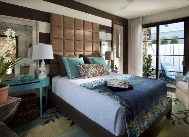 Trendfarben für Schlafzimmer-florale Motive an Kissen-Querstreifen ...