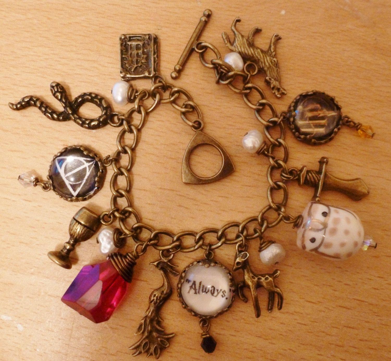 Deluxe Vintage style Harry Potter charm bracelet. £25.00, via Etsy.