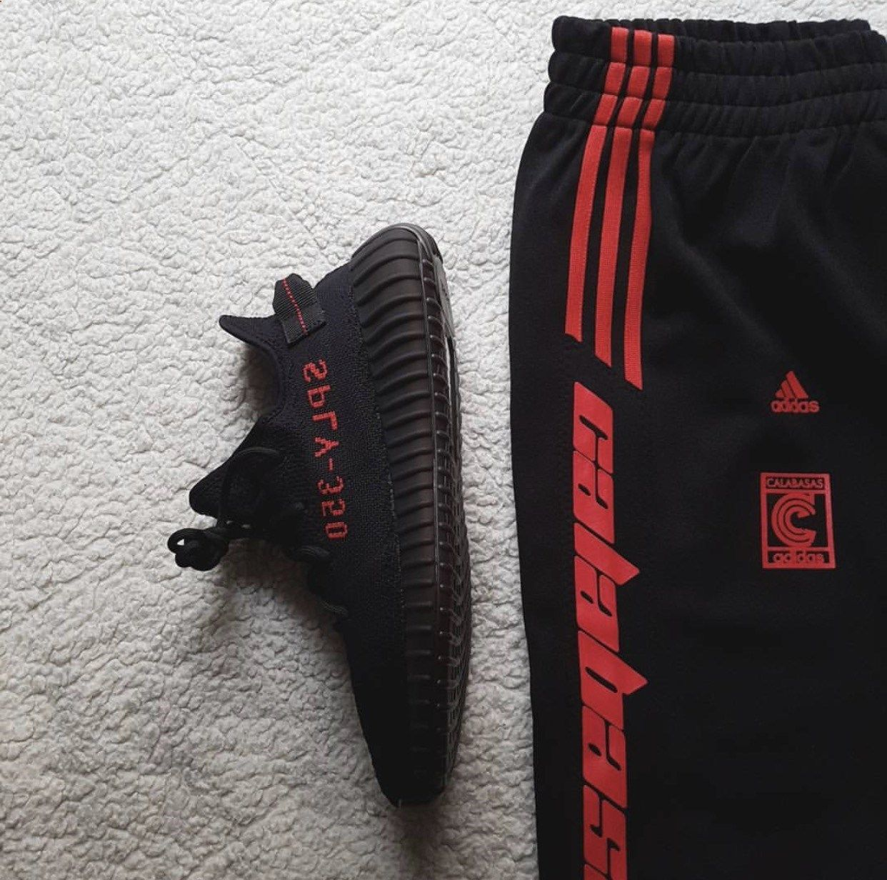 Mens Adidas Yeezy 350 Boost V2 Core Black Red CP9652