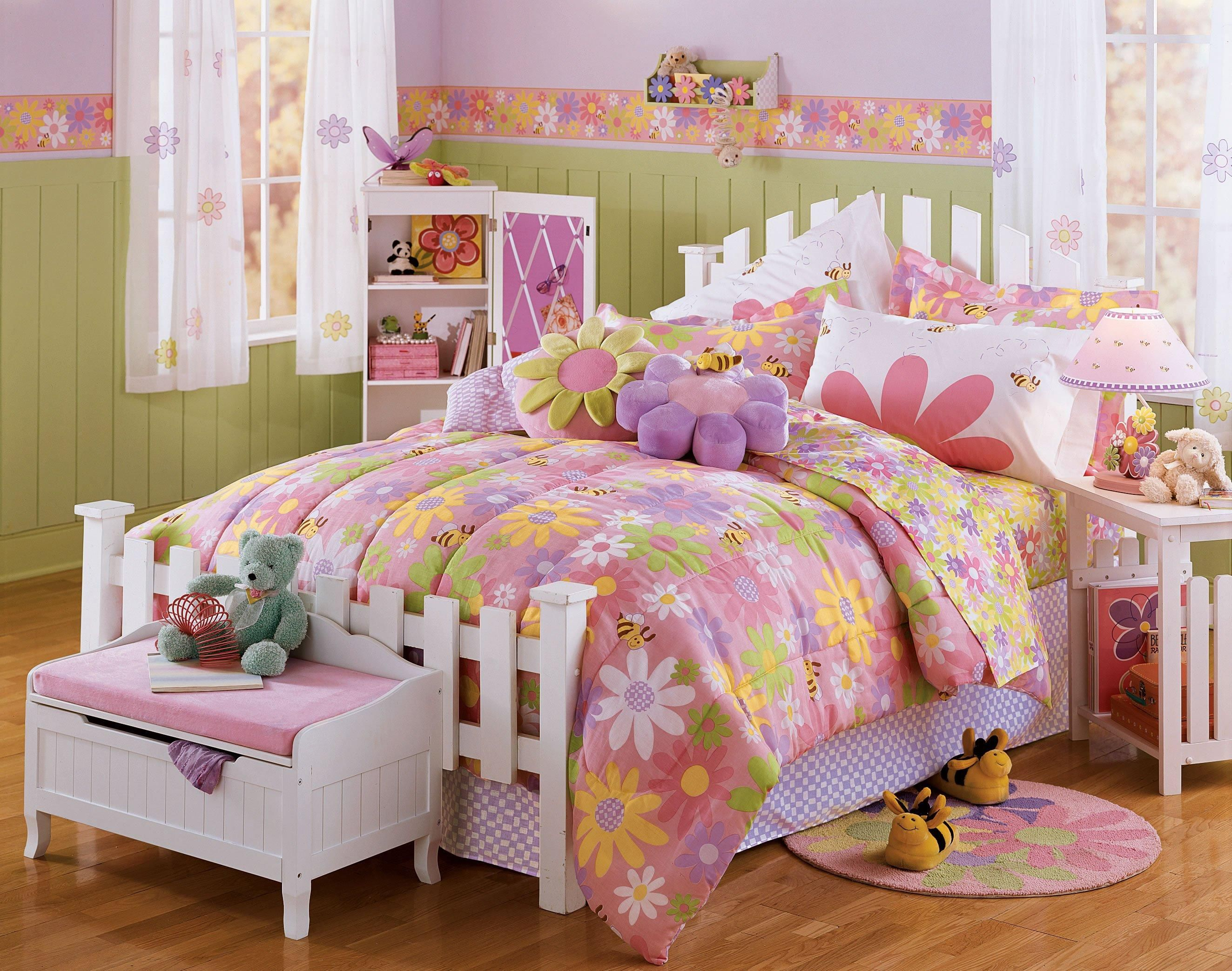 Beautiful Decoration And Design For Girls Bedroom Ideas Alluring Little Girl Bedroom Decorating Ideas Double Bed Fence Footboard Blanket Chest Pink Rug