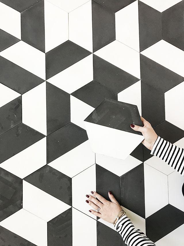 carreau ciment noir et blanc hexagonal pose al atoire via marieleonhart geometric. Black Bedroom Furniture Sets. Home Design Ideas