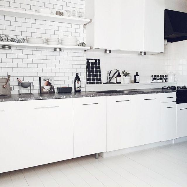 キッチン キッチンまるごと改装しました 化粧ベニヤ カッティングシート Ikea などのインテリア実例 2016 12 18 02 07 07 Roomclip ルームクリップ モノトーン インテリア キッチン Diy カッティングシート インテリア