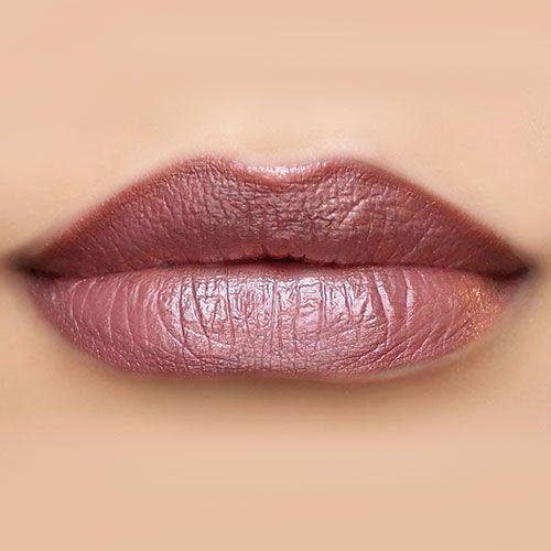 32 Fashionable Lipstick Makeup Ideas To Try #makeup #lipstick #lipmakeup