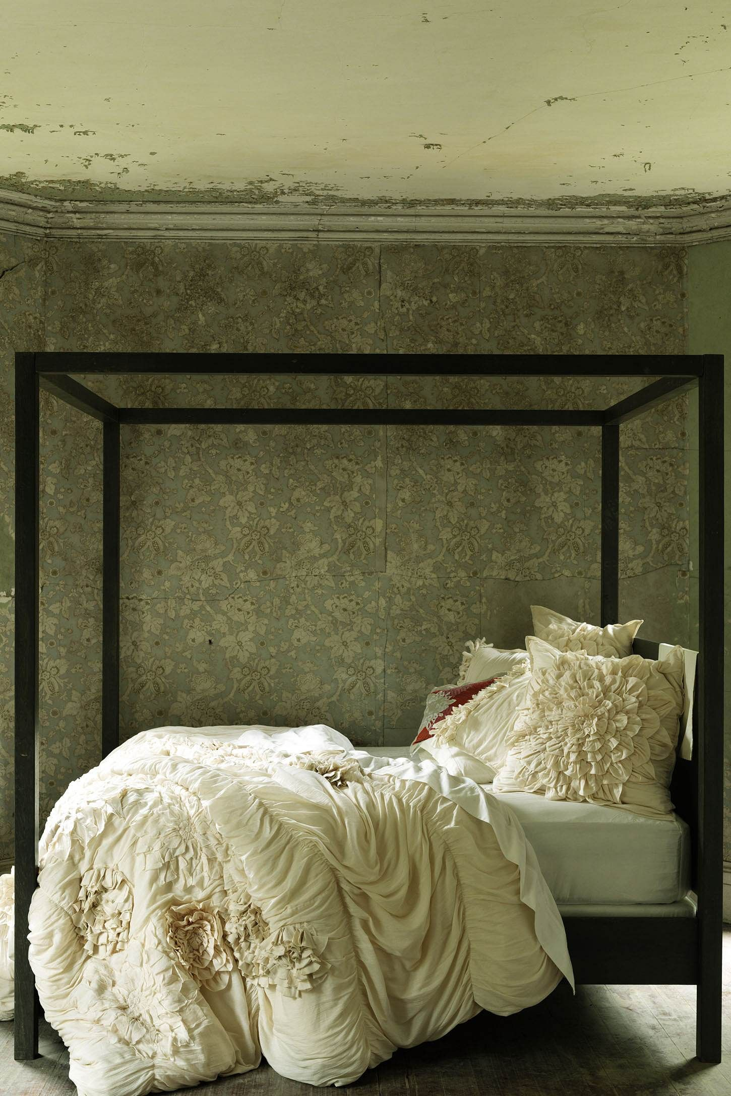 Georgina duvet cover romantic forest for Brown and cream bedroom ideas
