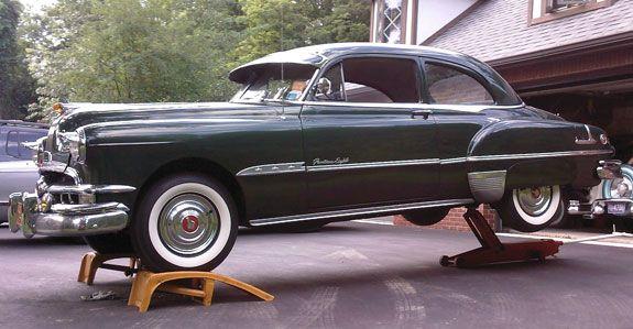 Pontiac Chieftain 2dr sedan