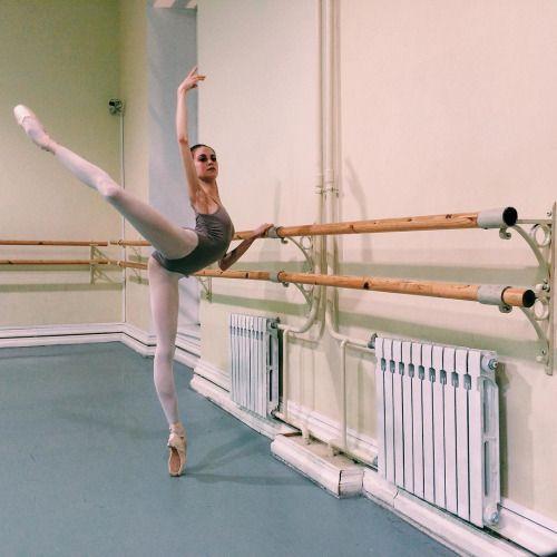 http://ift.tt/26nltoG ouchpouchsaywhat: Vaganova student Daria Ionova. from her ig. #dance #hongkong #ballet