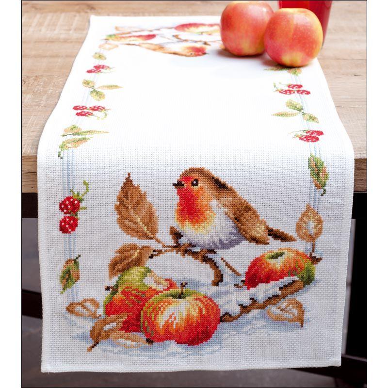 rouge gorge avec des pommes chemin de table broder au point de croix compt de la collection. Black Bedroom Furniture Sets. Home Design Ideas